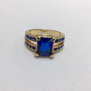 Jewelry - Blue Stone and Gold Ring Size 6